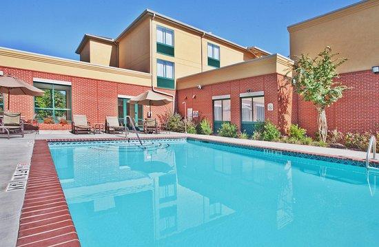 Holiday Inn Atlanta/Roswell : Swimming Pool