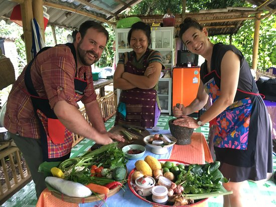 Saraphi, Thailand: Doing our prep with Orn!