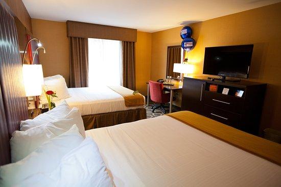 Vineland, نيو جيرسي: Double  Queen Bed Guest Room