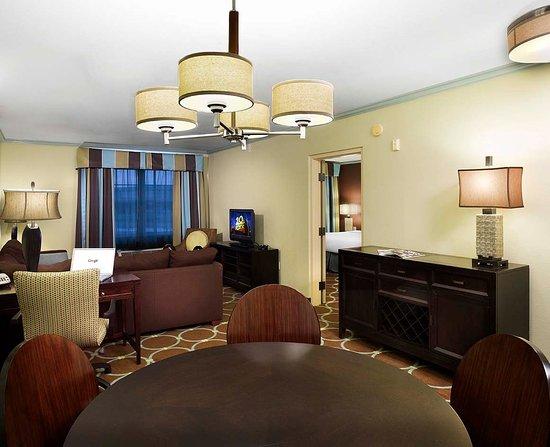 Holiday Inn Sarasota - Lakewood Ranch: Suite Living Room Rgb