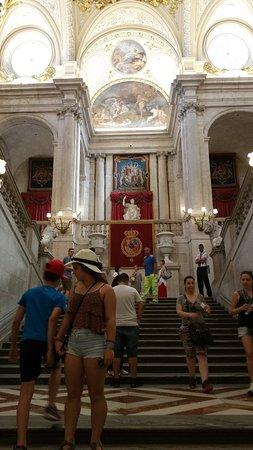la scalinata di accesso ai saloni - Picture of Royal Palace of ...