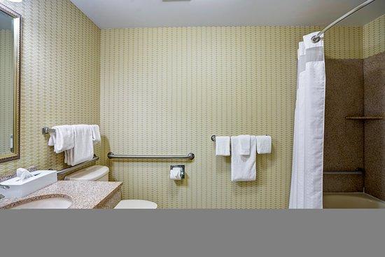 Christiansburg, فيرجينيا: Guest Bathroom
