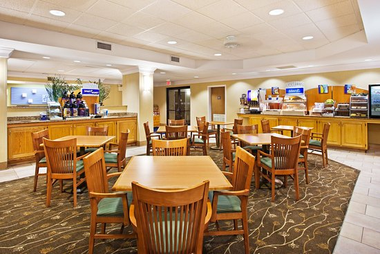 Holiday Inn Express Pigeon Forge/Dollywood: Breakfast Area
