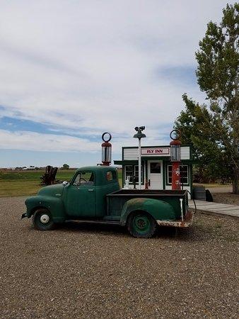 Hardin, Μοντάνα: Old gas station.