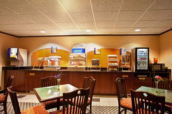 Sturtevant, Wisconsin: Breakfast Bar