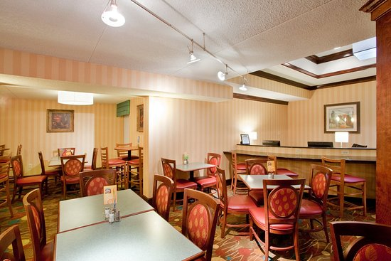 Danville, VA: Start your day with a complimentary breakfast