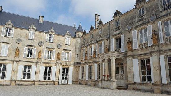 Fontenay-le-Comte, Frankreich: 20160817_112931_large.jpg