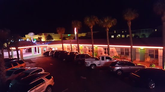 Magic Beach Motel: Our motel lit up at night