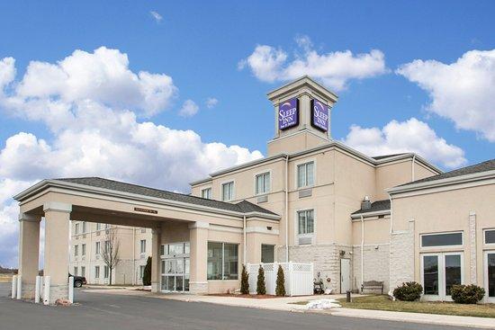 Sleep Inn & Suites: Exterior