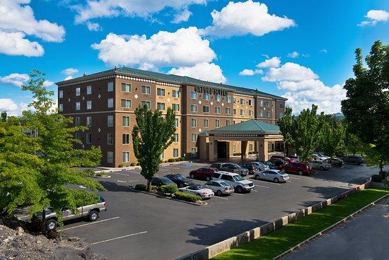 Oxford Suites Downtown Spokane : Exterior