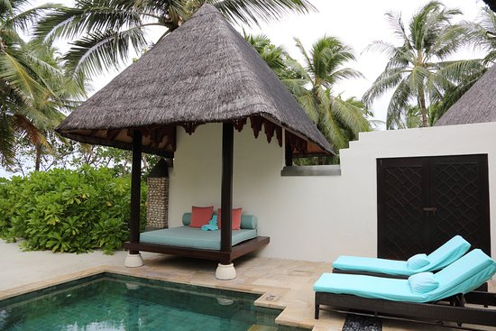 Four Seasons Resort Maldives at Kuda Huraa: The pool and day bed for our room