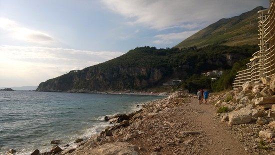 Hotel Danica: альтернативный пляж (вдалеке)