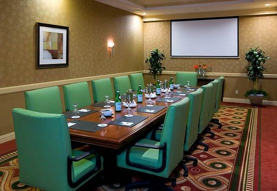 Monrovia, CA: Executive Boardroom