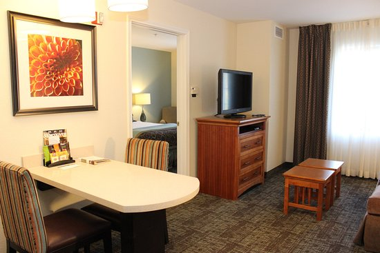 Vancouver, WA: Studio suite, ADA and mobility accessible room.