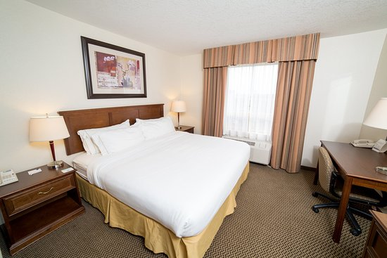 Drayton Valley, Canada: King Bed Guest Room