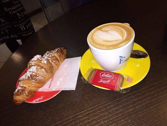 Ozieri, Ιταλία: Il cappuccino di Giuseppe!