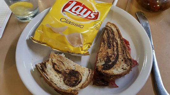 Edenton, NC: This was the most pitiful reuben sandwich that I have ever had in my life!