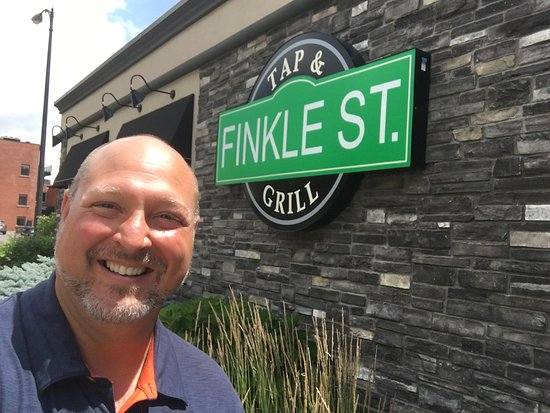 Woodstock, Kanada: Myself outside of Finkle Street Tap & Grill.