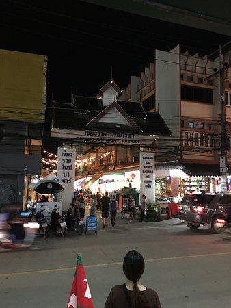 Chiang Rai Night Bazaar : photo1.jpg