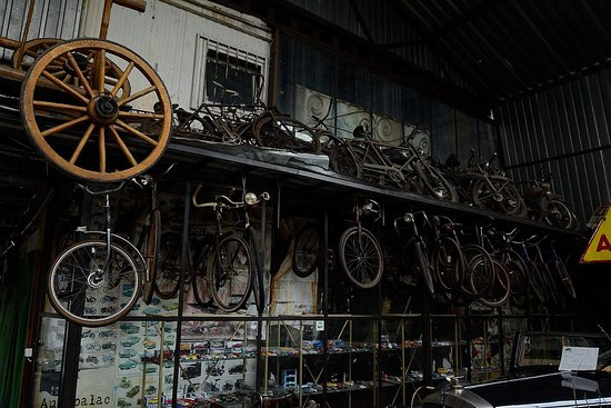 Muzeum Motoryzacji i Techniki: Ekspozycja skompresowana ;)
