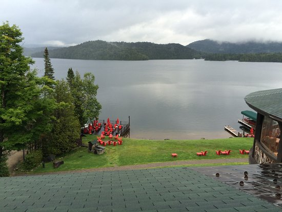 Lake Placid Lodge: Yes, there is a mountain out there!