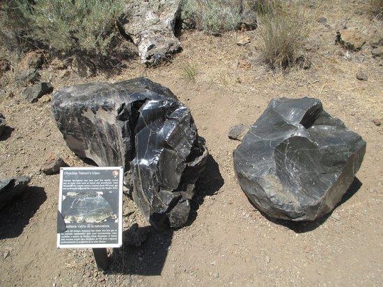 Tulelake, CA: Obsidian on display.
