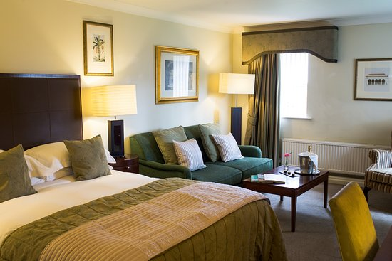 Bromley Cross, UK: Executive Bedroom