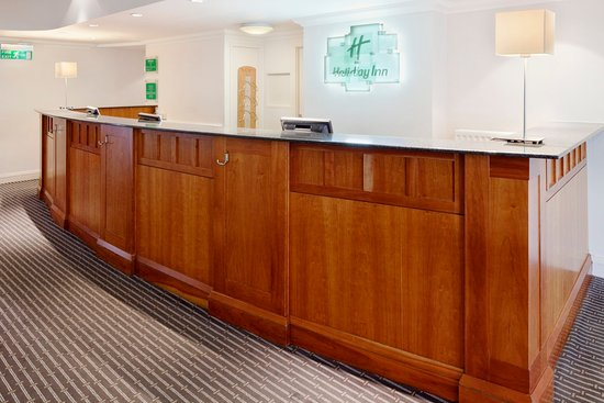 Basildon, UK: Front Desk  at reception and lobby area