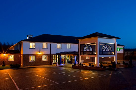 Upper Harbledown, UK : Holiday Inn Express Canterbury offers comfort at a low price