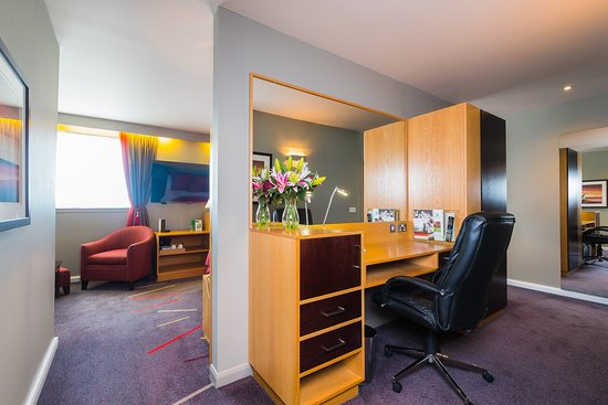 Westhill, UK: Executive Suite Workspace