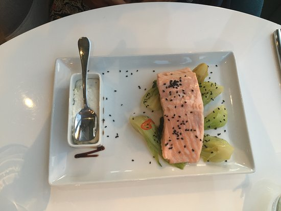 Gex, Francia: Le saumon Bio, très bon