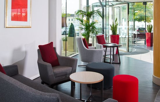 Holiday Inn Express Bath: Put your feet up in our brand new lounge area
