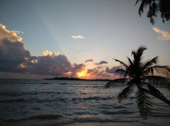 Thulusdhoo Island: IMG_20160807_060917_large.jpg