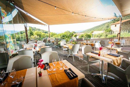 Taurinya, Fransa: la terrasse