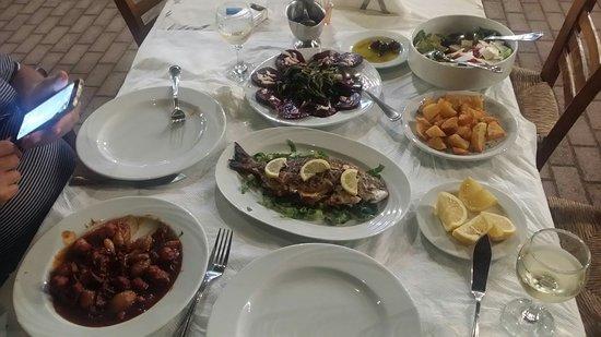 Vartholomio, Grækenland: 20160818_222554_large.jpg