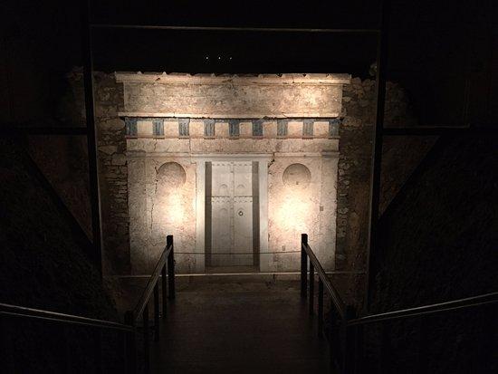 Vergina Gravkamre og Museum