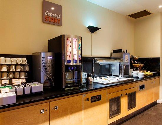 Antrim, UK: Breakfast Bar