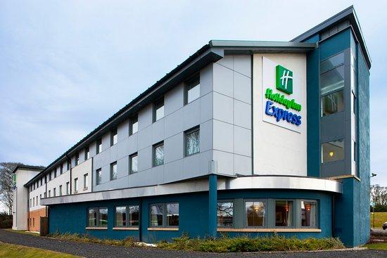 Hotel Exterior adjacent to Carnegie College Dunfermline - Picture ...