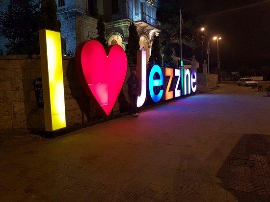 Jezzine, Libanon: 20160724_005305_large.jpg