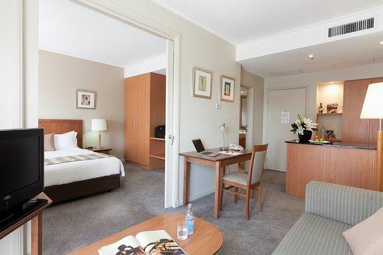 Crowne Plaza Newcastle: Queen Harbourside Suite