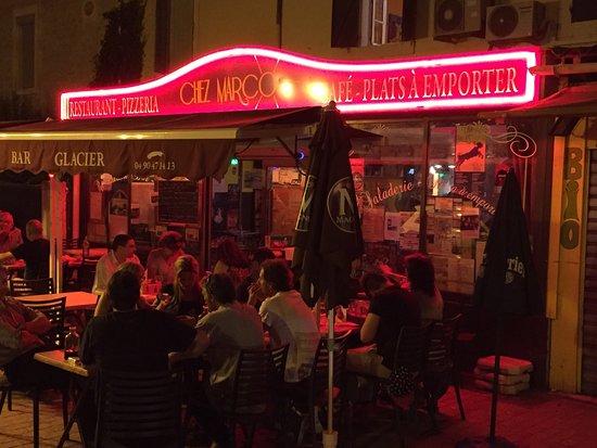 Saint-Martin-de-Crau, Frankrijk: Very friendly, laid back but fast service.