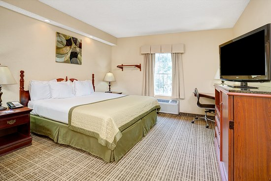 Baymont Inn & Suites Jacksonville: Suite