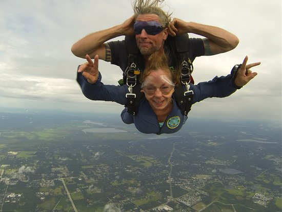 De Land, FL: Tandem skydiving was amazing!!