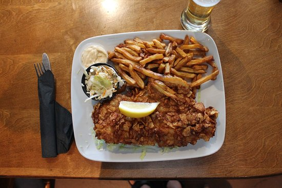 The Bruce Steakhouse : Fish was haddock, a 10-ounce portion!