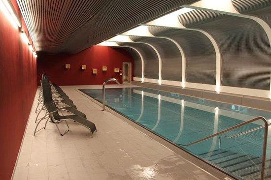 Hotel Mirabeau: Swimming Pool