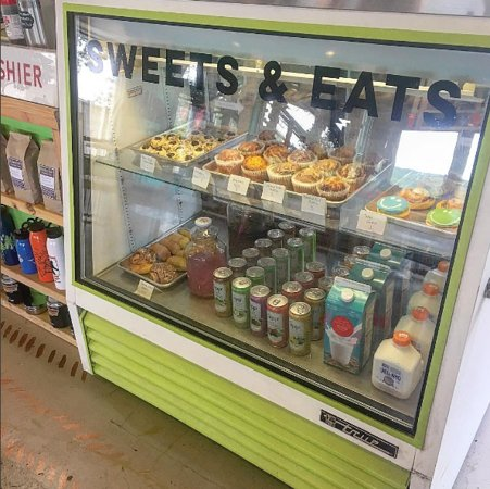 Wimberley, Τέξας: muffins, kolaches, cactus water and more