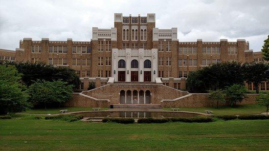 Little Rock Central High School: LR Central High Public School, August 2016