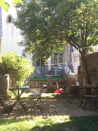 Intérieur vintage et petit jardin au calme - Picture of Noemia Da ...