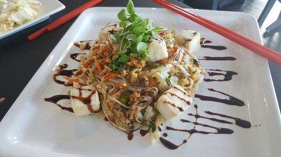 Lakewood, OH: Tofu pad Thai
