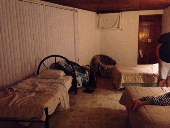 Karahe Beach Hotel: photo1.jpg